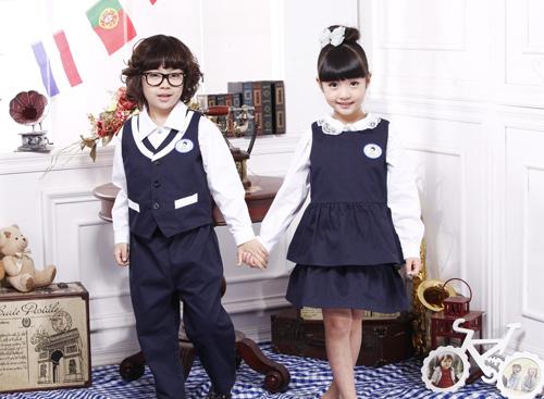 幼儿园服装制作首先要考虑的是时代感